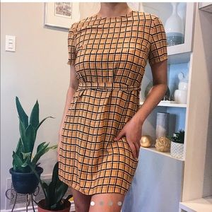 Square pattern dress with a belt